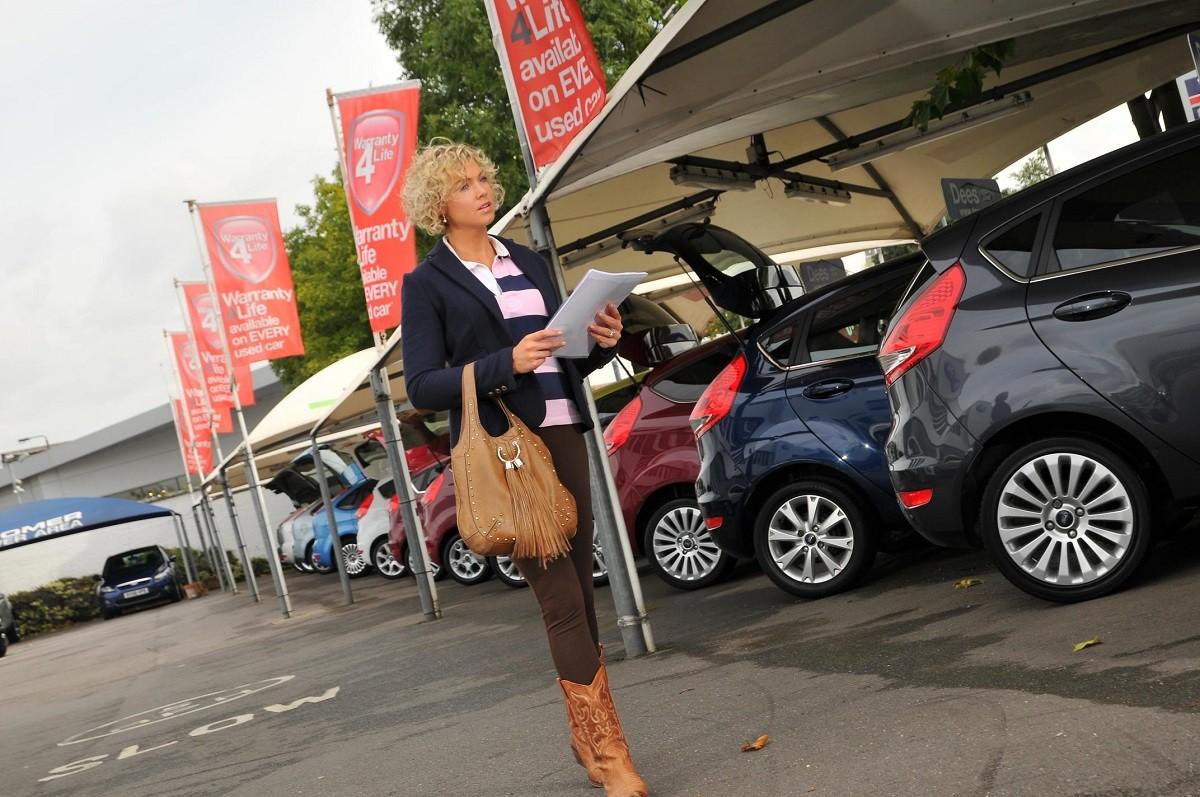 43% Polaków planuje zakup nowego auta w 2017 roku